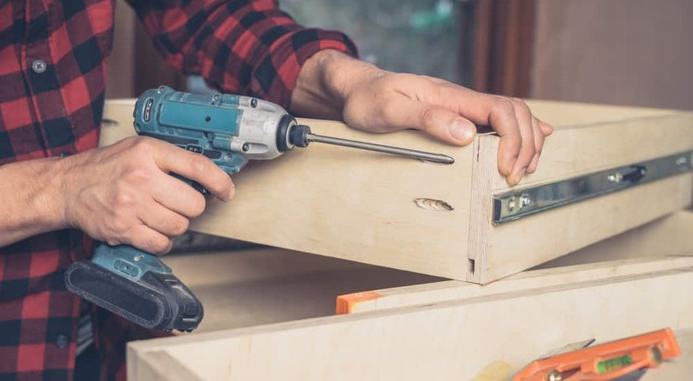 Best Cheap Cordless Impact Wrench Must Have Features for The Best Cheap Cordless Impact Wrench