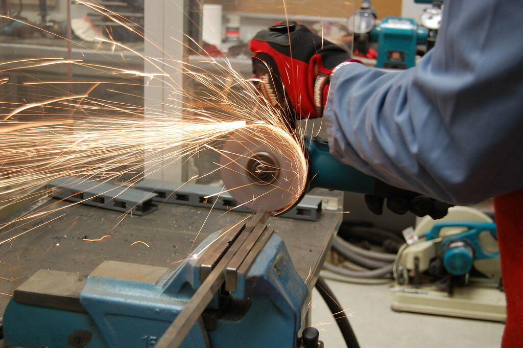 Best Angle Grinder Under 100 Must Have Features for The Best Angle Grinders Under 100 Dollars