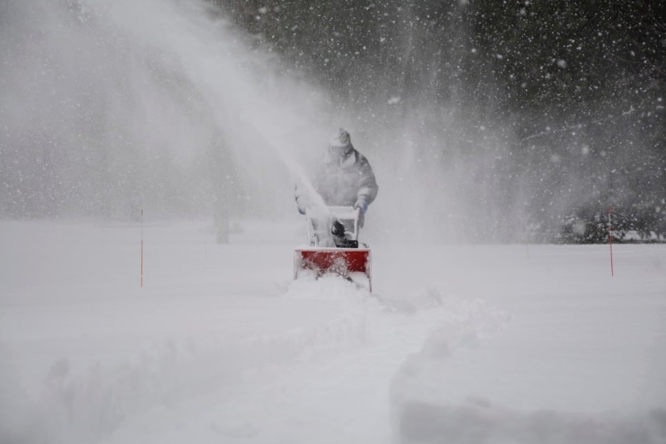 Best Electric Snow Blower For Heavy Snow Benefits of The Electric Snow Blower for Heavy Snow