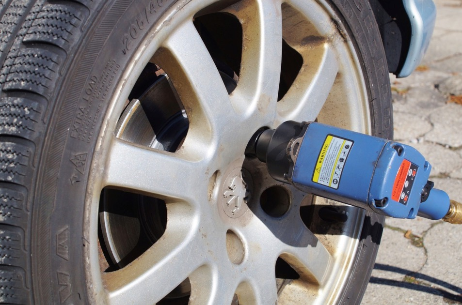 Best Air Cheap Impact Wrench For The Money Must Have Features for The Best Air Cheap Impact Wrench for The Money
